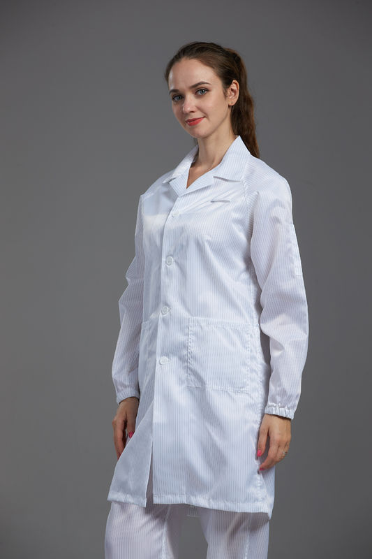 100 Clean Room Garments Straight Open Buttons In Pharmaceutical Workshop supplier